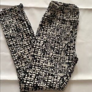 LuLaRoe Black and white print leggings